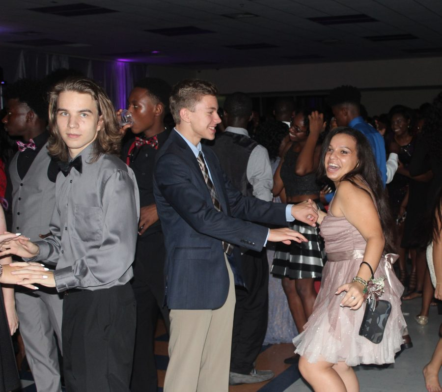 Students spend a night above the clouds at Homecoming
