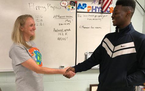Tweet goes viral, helps AP Physics students