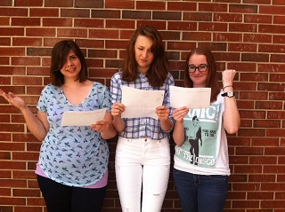 Many students have mixed emotions about their school schedules. Since nobody can get their perfect schedule, some are left feeling less than optimistic about the school year. The Chant staffers senior Sabrina Kerns, junior Alex O'Brien, and sophomore Kat Shambaugh look over the new calendar with varying opinions over major changes.