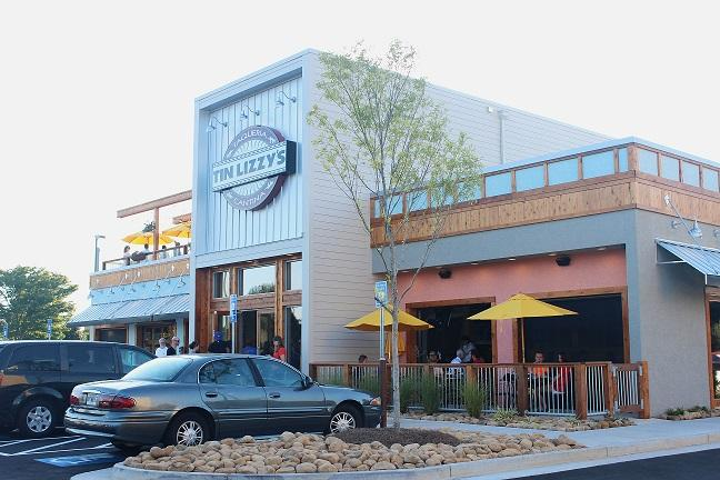 """On Monday, August 25, Tin Lizzy's Mexican Cantina opened for business. Many couples and families wined and dined on the new, freshly-made Mexican cuisine and refreshing beverages. """"The atmosphere is pretty crazy and loud, but the food is great"""", senior Amelia Seay said."""