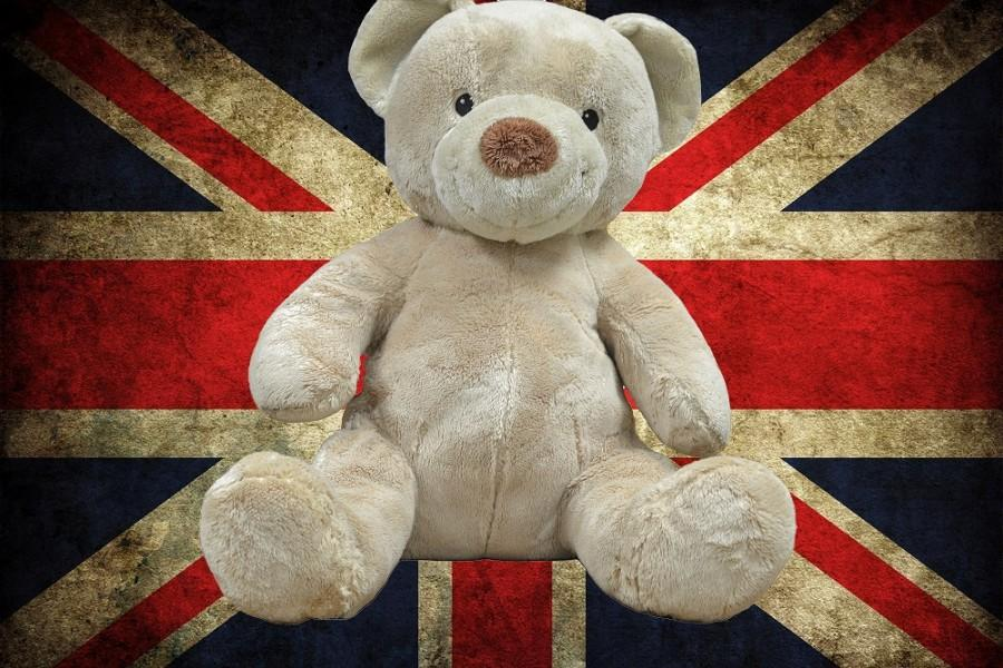 Michael+Bond%E2%80%99s+2007+children%E2%80%99s+book+Paddington+comes+to+the+big+screen.+Paddington%2C+a+lost+talking+bear%2C+is+taken+in+by+a+family+while+he+has+new+adventures+in+the+streets+of+London.+