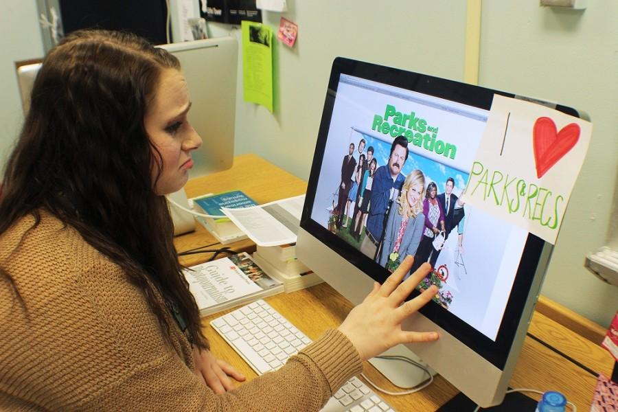 Parks and Recreation season finale aired Tuesday, February 24. The biggest Parks and Rec fan, junior Melissa Hines looks at a cast photo and cries.
