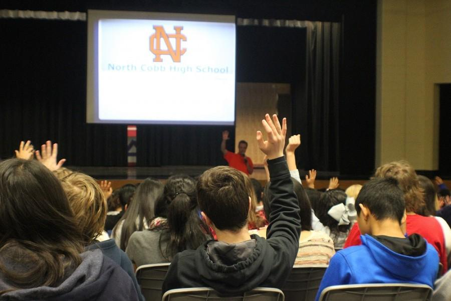 Link Crew leads Awtrey students on tour of future campus