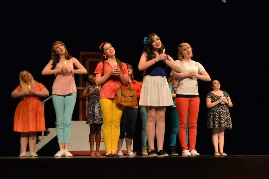 The+Delta+Nu+sorority+sisters+singing+%E2%80%98Omigod+You+Guys%E2%80%99+with+excitement.+%28Left+to+right%3A+Marybeth+Coley%2C+12th%3B+Hannah+Leahy%2C+9th%3B+Essi+Karjalainen%2C+11th%29+