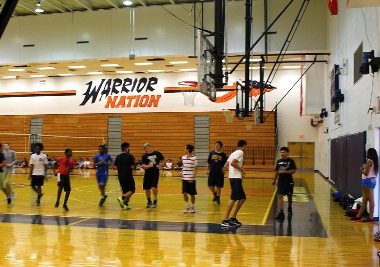 Coach Carter's third period Physical Education class runs the pacer, a required test that all Georgia high school students must run to complete the course.