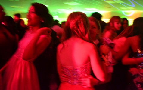 Students follow yellow brick road to Homecoming dance