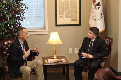 Kennesaw's mayor, Derek Easterling, took time to discuss leadership and his own definition of community with The Chant's own Dylan Kellos. Mayor Easterling discussed his role as a leader of Kennesaw and how the Kennesaw community affects him.