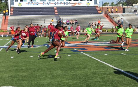 Seniors dominate in annual Powderpuff tournament