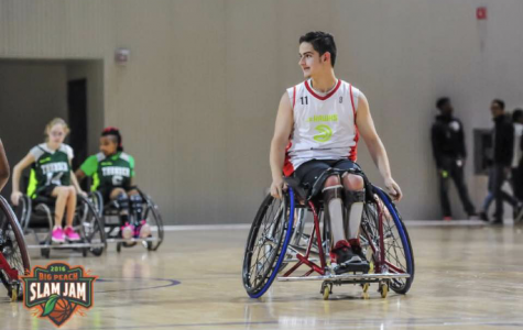 Joines looks for the ball during the home tournament in Atlanta with Music City Thunder.
