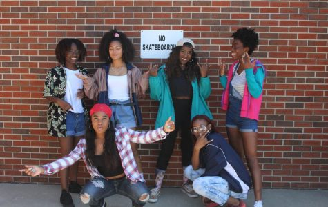 Seniors all over school dress up in colorful windbreakers and flannels for flashback/90's day to celebrate senior week. With 90s fashion becoming more of a trend, students' outfits were similar to an everyday outfit.