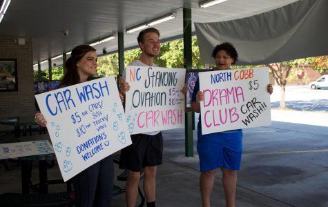 Drama Club hosts carwash fundraiser