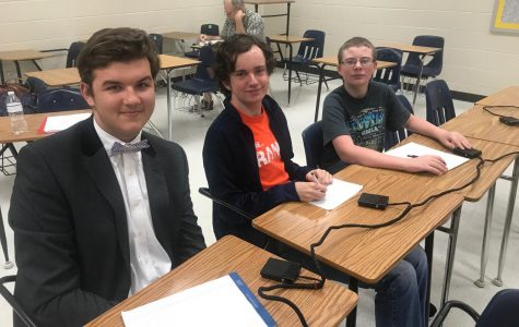 Academic team kicks off year with Walton Quiz Bowl tournament