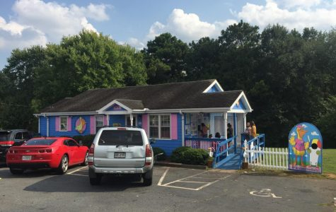 Located off of Old 41 Highway, Pelican's Snowballs offers 100 flavors of snowcones.