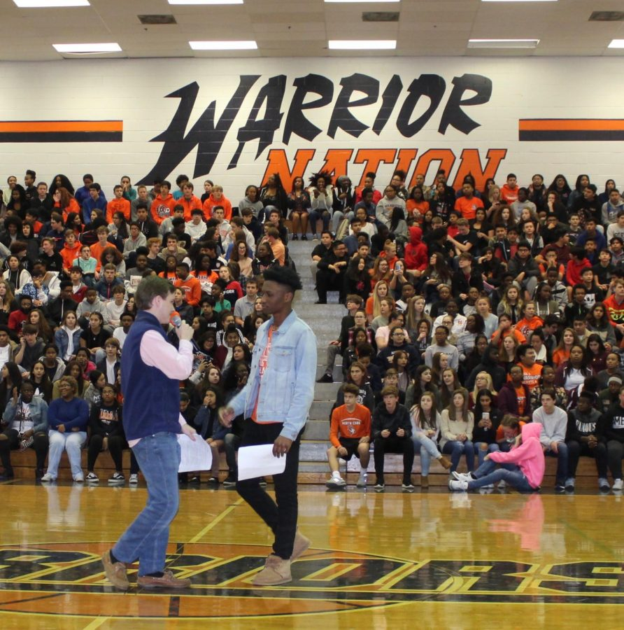 Senior+Turner+Markwalter+and+junior+Zion+Fitch+hosted+the+annual+Hoopcoming+pep+rally.