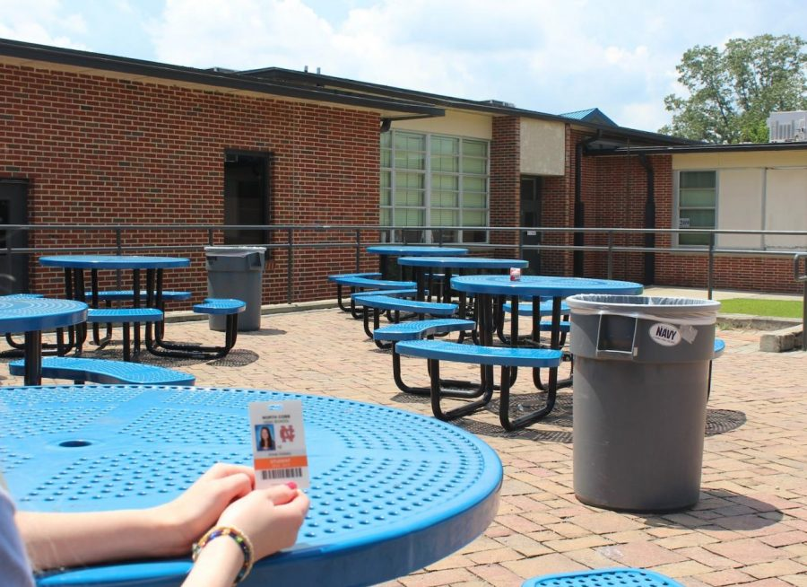 With the start of this school year came the enforcement of a new rule. At lunch, the courtyard is typically packed with students from all grade levels, but now, only seniors have access to this area. To access the courtyard during lunch, the student must show their school ID to confirm their grade level.