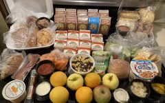 """Five lunch and breakfast meals come included in a student meal kit. Some of the food includes fresh vegetables, fruits, meats and bread products. """"We serve absolutely high quality food rule. Our food rule will be just as good if not better compared to any fast food places that anyone can go and we serve all quality ingredients,"""" Asif Edrish said."""