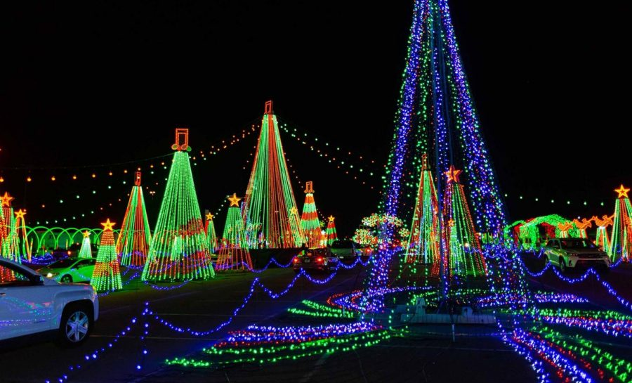 World of Illumination made its way to Georgia once again this December 2020! This magnificent light show includes anything a viewer may see in a winter wonderland. World of Illumination makes the experience as COVID safe as possible ensuring that all visitors wear masks and social distance. Featuring some of your favorite holiday tunes, this mile long show caught the eyes and ears of many visitors.