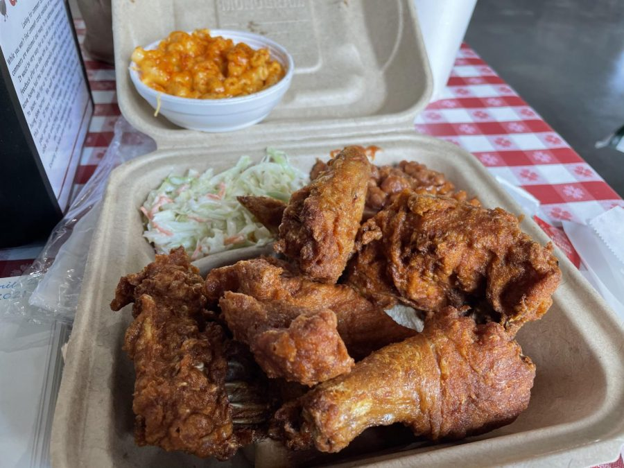 %09Gus%E2%80%99s+offers+plentiful+side+options+to+go+along+with+their+%E2%80%9CWorld+Famous+fried%E2%80%9D+chicken.+The+chicken+offers+a+crispy+skin+and+delicious+inside+with+a+heat+that+grows+the+more+you+eat.+The+spot%2C+a+hit+with+college+students+in+other+cities%2C+has+already+received+attention+from+KSU+and+NC+students.+%0A